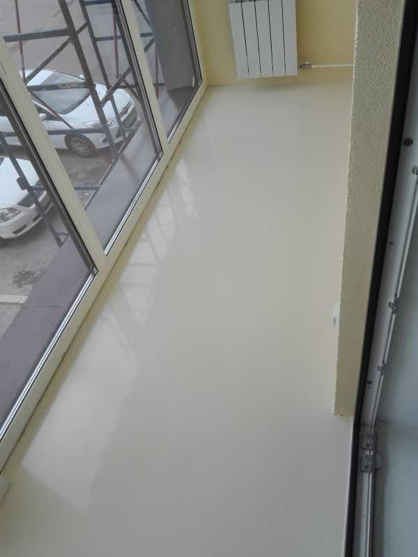 Эпоксидный наливной пол на балконе