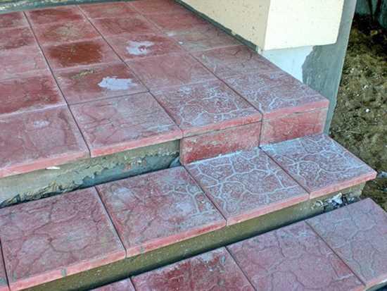 Крыльцо на бетонной основе