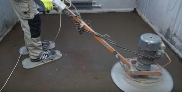 Инструмент для затирки полусухой стяжки