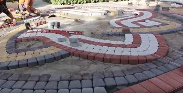 Разметка сложного рисунка тротуарной плитки