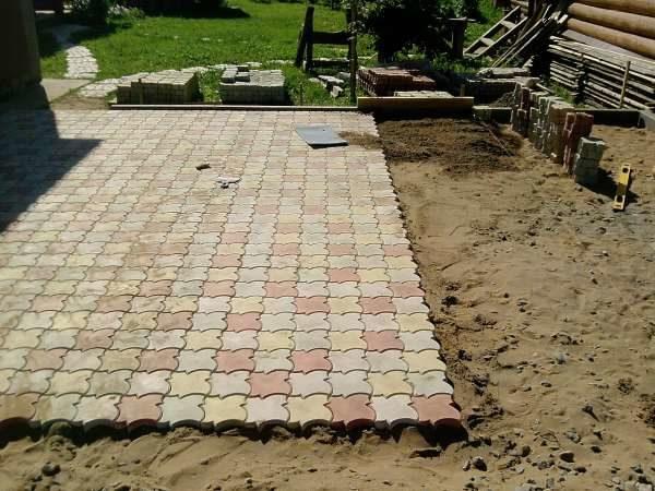 Тротуарная плитка на прямых участках