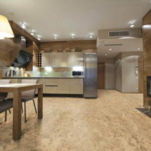 Пробковый пол в кухне