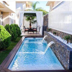 Водопады в бассейне – яркое решение для лета