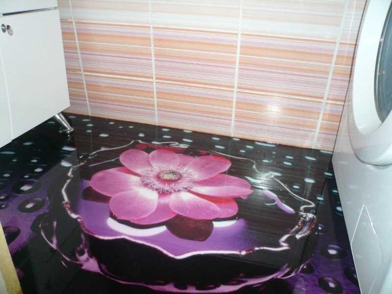 Наливной пол в ванной с рисунком под цветы