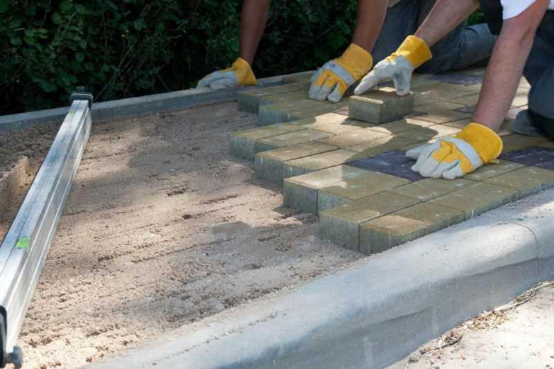 Укладка бетонной плитки на сухую смесь экологически чистый бетон