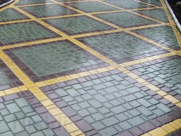 Геометрические узоры на плитке Старый город