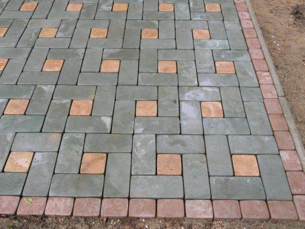 Узор колодец из тротуарной плитки Кирпич