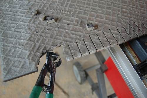 Выламывание плитки