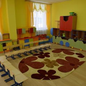 Дизайн линолеума под доску в детском садике