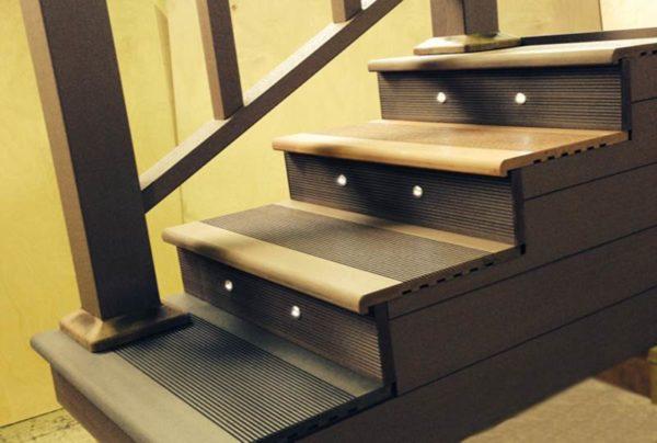 Лестница из террасной доски