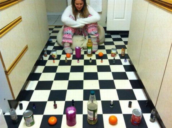 Шахматная плитка на кухне