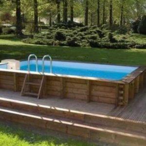 Дачный бассейн в отделке из массива