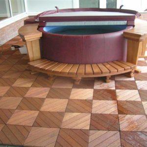 Основа из садового паркета для круглого бассейна