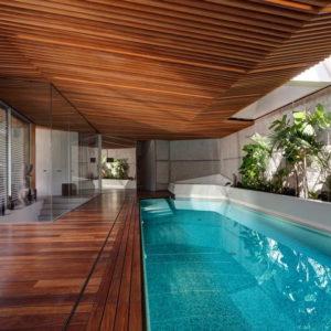 Тропические ноты в дизайне зоны бассейна