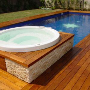 Практичное применение декинга для бассейна